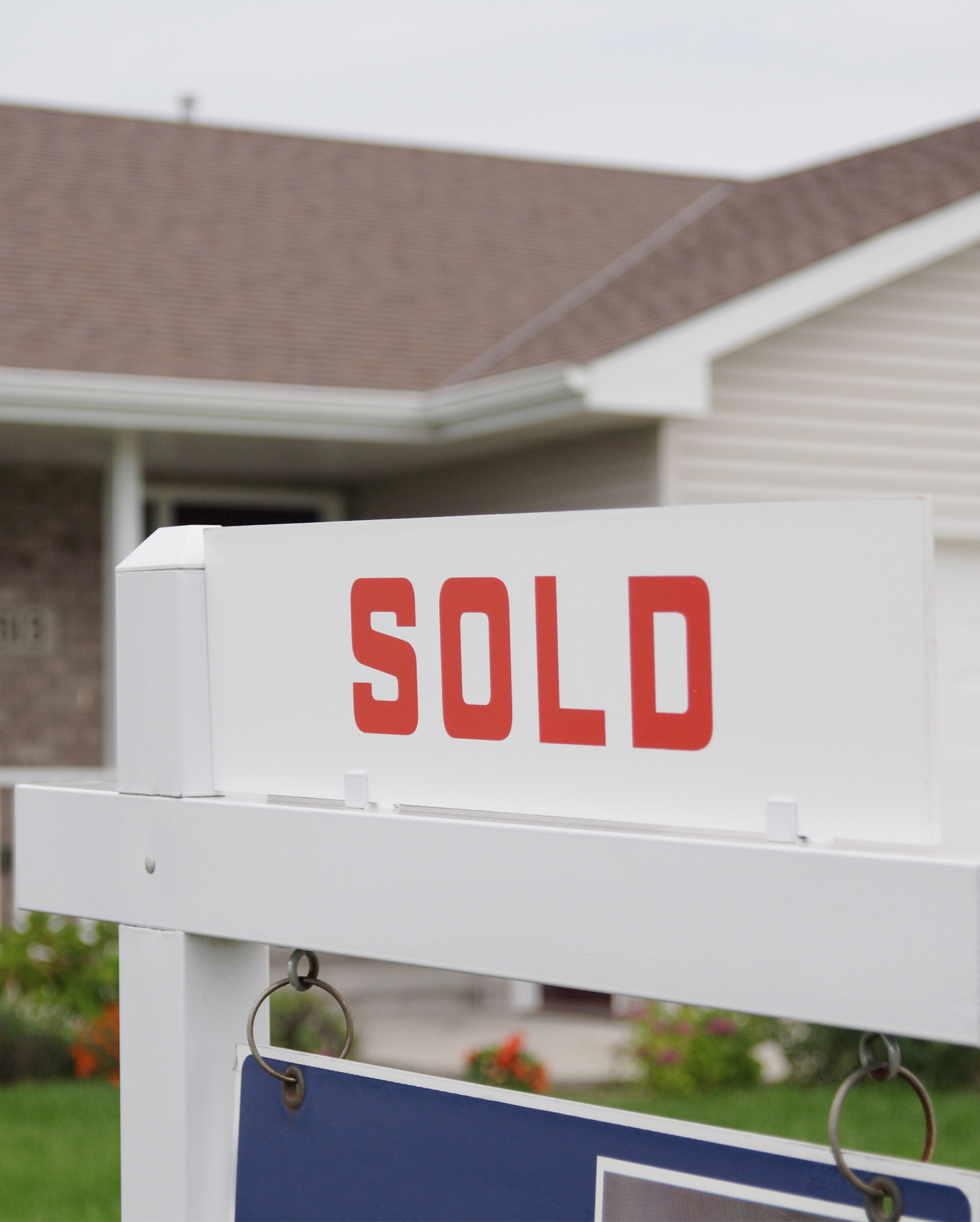 GettyImages-178492060-Sold-Sign-Cropped